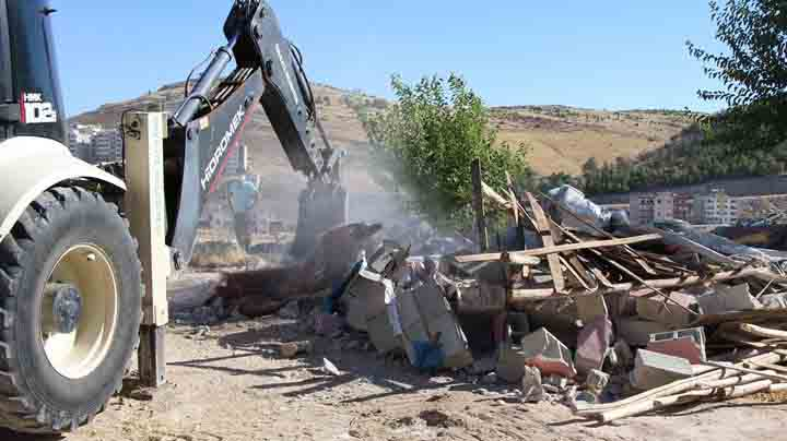 Devteyşti de kaçak yapılar yıkılıyor – Video Haber Urfa Haber
