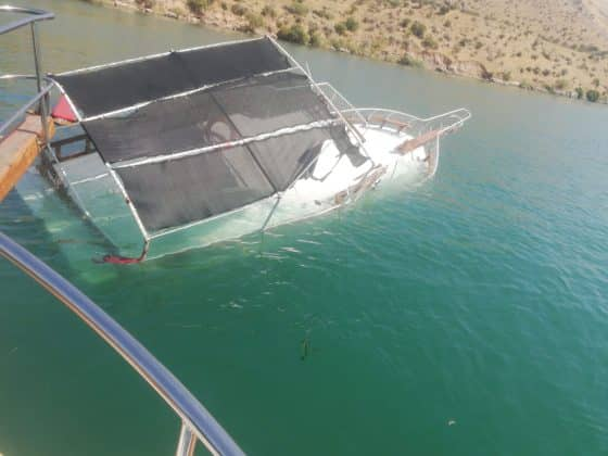 Halfeti'de tekne battı