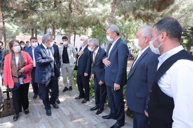Başkan Beyazgül ; Muhtarlar devlet ile millet arasında ilk köprüdür Urfa Haber