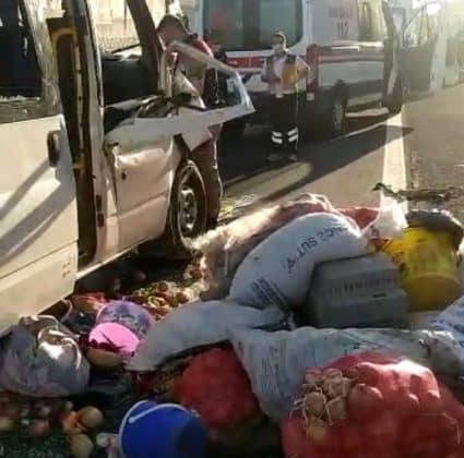 Şanlıurfa´da Tır ile Minibüs çarpıştı: 11 yaralı Urfa Haber