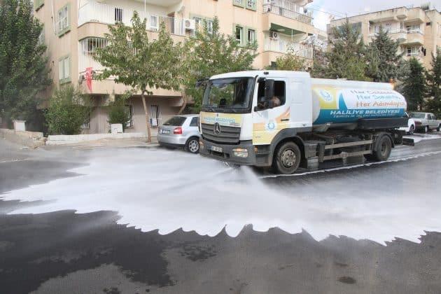 Koronavirüs'e karşı yıkama ve dezenfekte devam ediyor  Urfa Gündemi