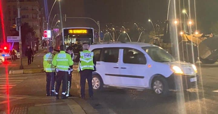 Belediye otobüsü ile ticari araç çarpıştı  Urfa Gündemi