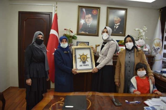 Kadınlardan Başkan Ayşe Çakmak'a destek Urfa Haber