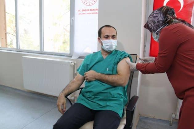 Şanlıurfada covid-19 aşısı başladı Urfa Haber