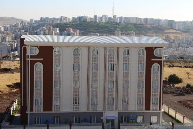 Bölgenin en büyük eğitim merkezi açıldı