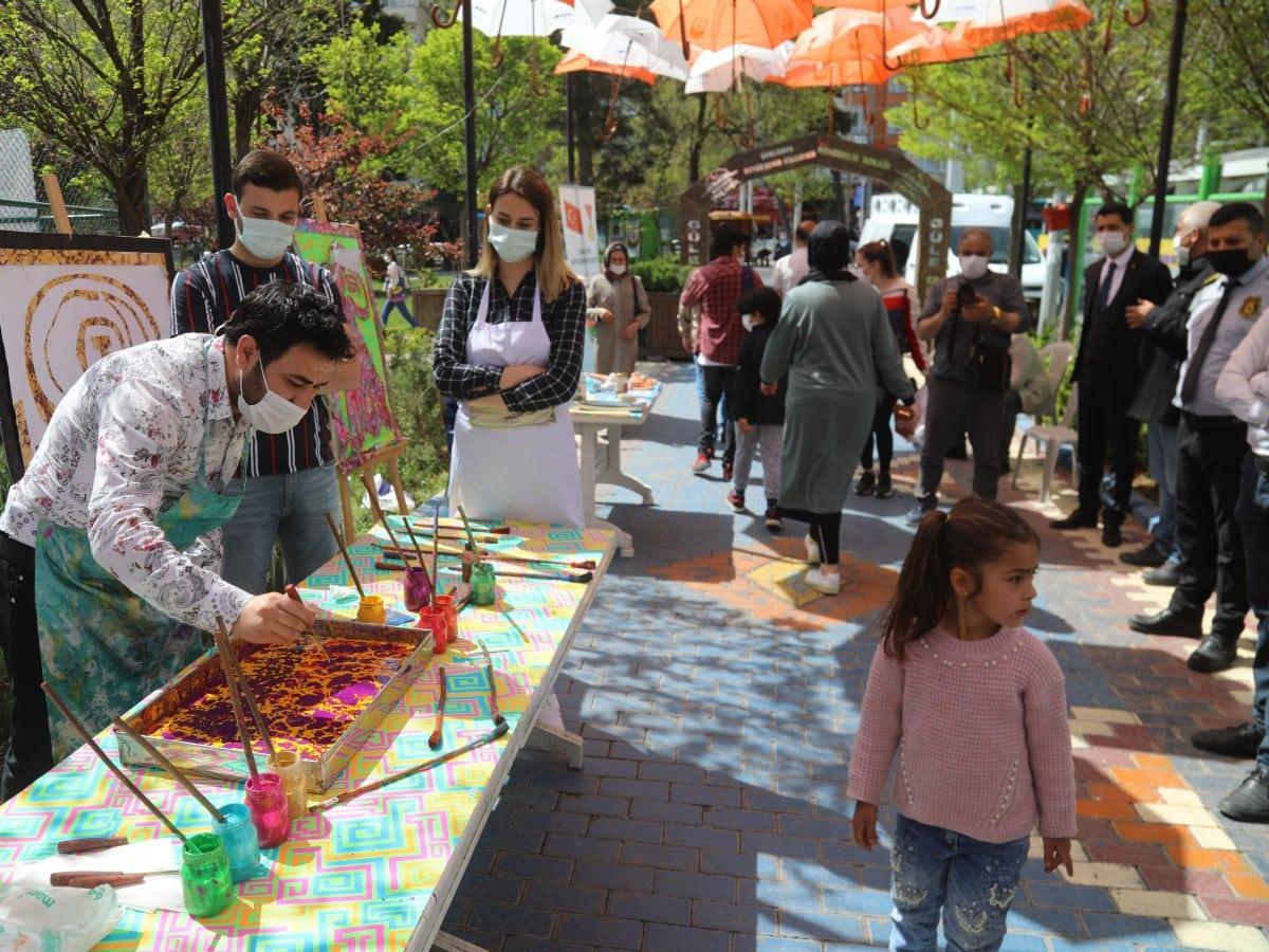 Rehberlik Sokağı geleneksel el sanatlarıyla renklendi Gündemi