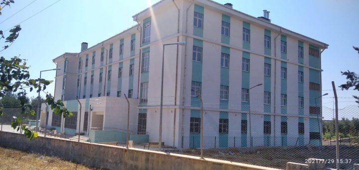 Suruç'ta  3yıl önce yapılan Öğrenci Yurdu daha bitirilemedi; Öğrenci velileri tepkili Haberler